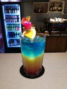 Kolorowe drinki w Marinie